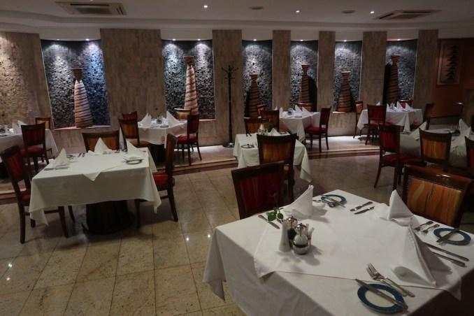 SERENA KIGALI HOTEL: MILIMA RESTAURANT (DINNER)