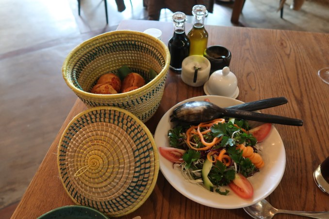 BISATE LODGE: LUNCH