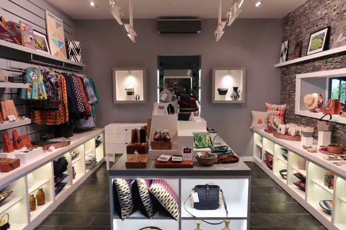 ONE&ONLY NYUNGWE HOUSE: MAIN PAVILION - BOUTIQUE SHOP