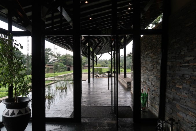 ONE&ONLY NYUNGWE HOUSE: MAIN PAVILION - ENTRANCE