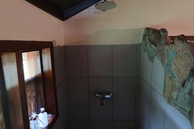 RUZIZI TENTED LODGE: BATHROOM