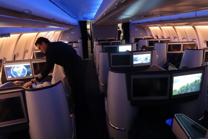KLM A330 BUSINESS CLASS CABIN (MOOD LIGHTING)