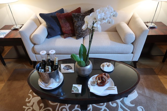 MANDARIN ORIENTAL PRAGUE - DELUXE SUITE (WELCOME AMENITIES)