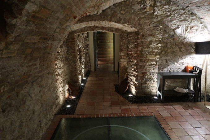 MANDARIN ORIENTAL PRAGUE - SPICES RESTAURANT (WINE CELLAR)