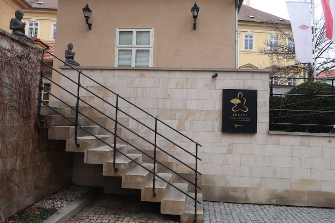 MANDARIN ORIENTAL PRAGUE - ENTRANCE TO SPA