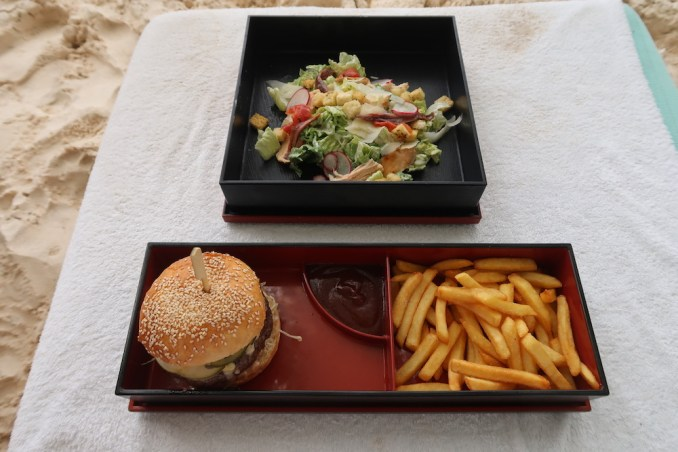 FOUR SEASONS SEYCHELLES: LUNCH ON THE BEACH