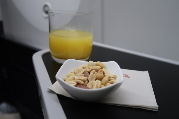 AVIANCA B787 BUSINESS CLASS: APERITIF