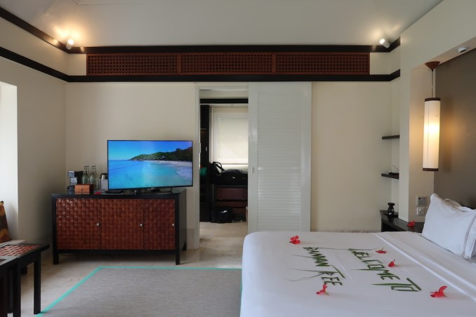 BANYAN TREE SEYCHELLES: VILLA - BEDROOM
