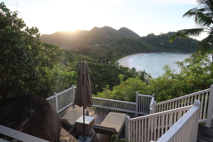 BANYAN TREE SEYCHELLES: VILLA - TERRACE (SUNRISE)