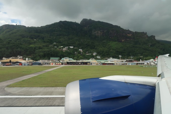 BRITISH AIRWAYS B787: DEPARTURE FROM SEYCHELLES AIRPORT