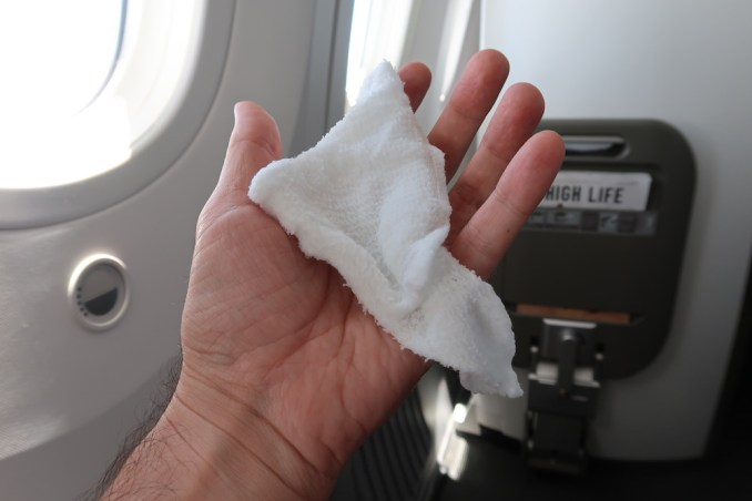 BRITISH AIRWAYS B787 BUSINESS CLASS: HOT TOWEL