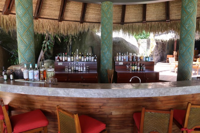 MAIA RESORT SEYCHELLES: SUNSET BAR