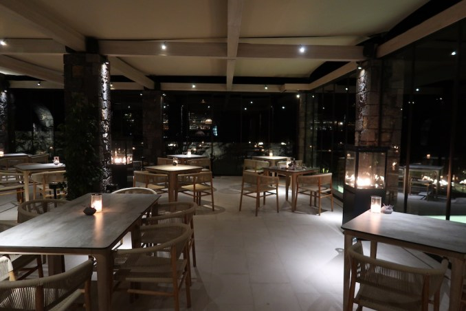 CANAVES OIA EPITOME: DINNER AT ELEMENTS RESTAURANT