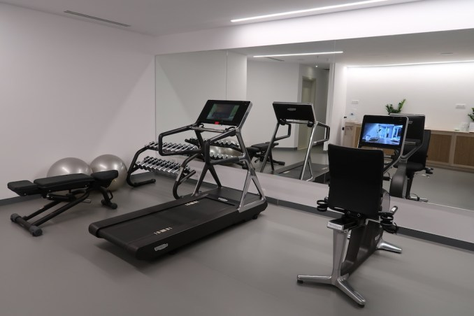 CANAVES OIA EPITOME: GYM