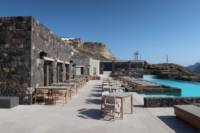 CANAVES OIA EPITOME: POOL DECK