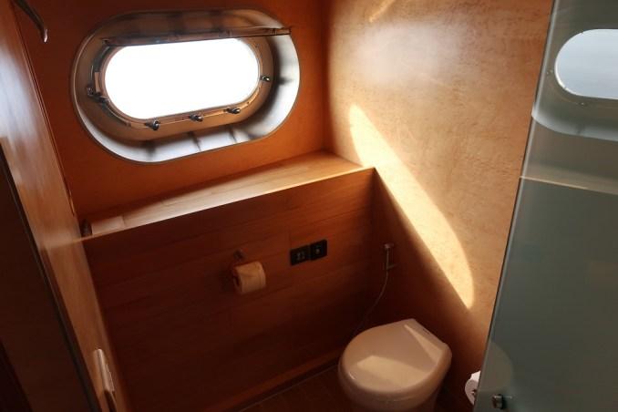 SONEVA IN AQUA: MASTER BEDROOM (TOILET)