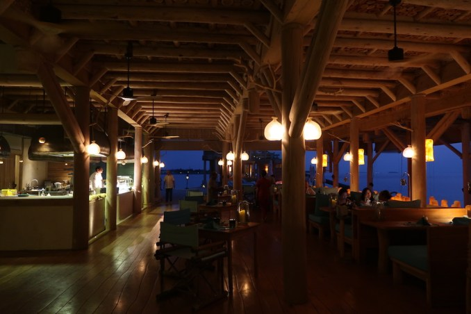 SONEVA FUSHI: DINNER AT OUT OF THE BLUE