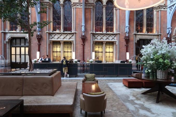 ST PANCRAS RENAISSANCE HOTEL: LOBBY