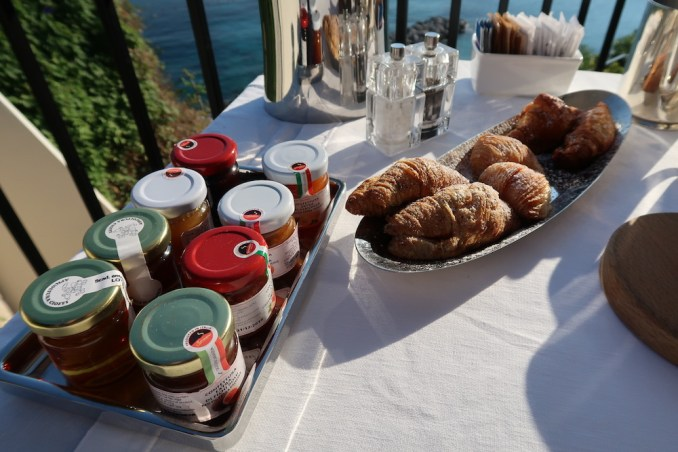 JK PLACE CAPRI: JKITCHEN RESTAURANT (BREAKFAST)