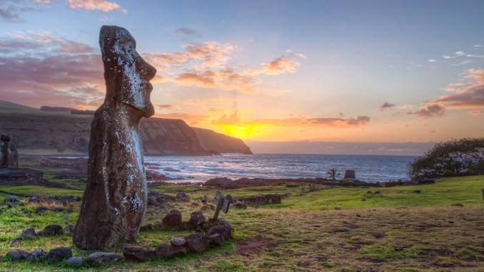MOAI STATUES OF EASTER ISLAND, CHILE