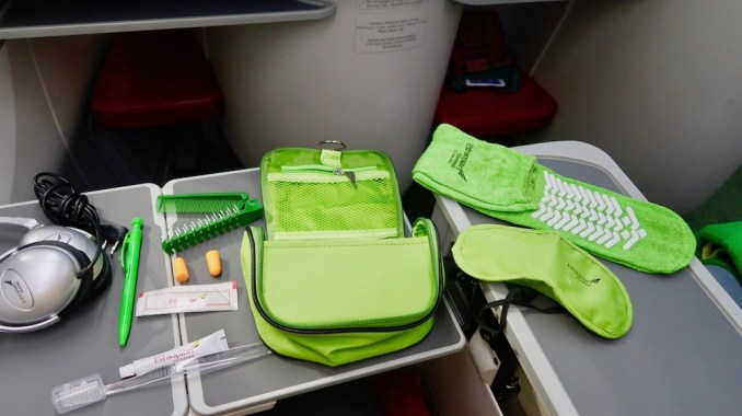 ETHIOPIAN AIRLINES BUSINESS CLASS AMENITY KIT