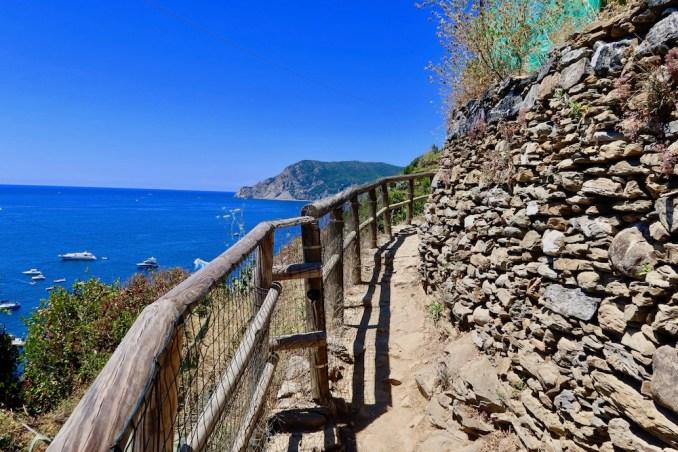 CINQUE TERRE: BLUE TRAIL FROM VERNAZZA TO MONTEROSSO