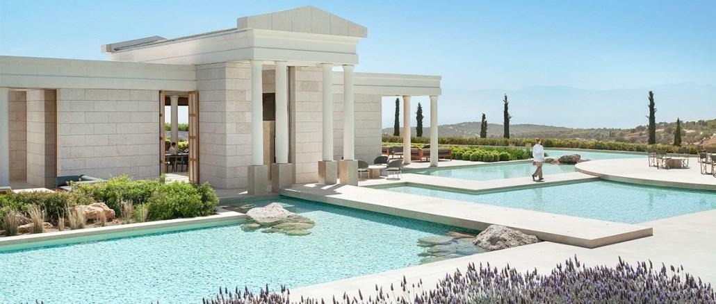 best luxury hotels in Greece