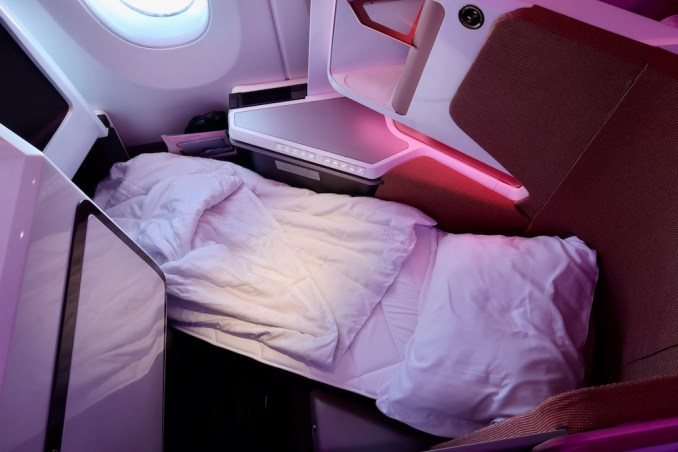 VIRGIN ATLANTIC A350 UPPER CLASS SEAT (FLAT BED)