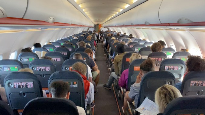 EASYJET A320 CABIN