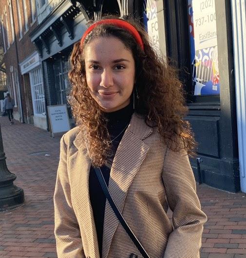 Linda Ziamanesh is an undergraduate at the University of Virginia majoring in Chemistry and minoring in German