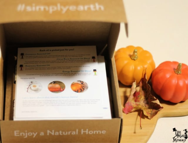 Opening the October Simply Earth Box