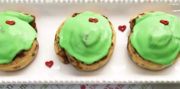 The Grinch Inspired Cinnamon Rolls