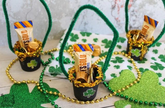 Golden candies and gold coins, in cute little k-cup buckets will be amazing rewards for your little leprechaun hunters!
