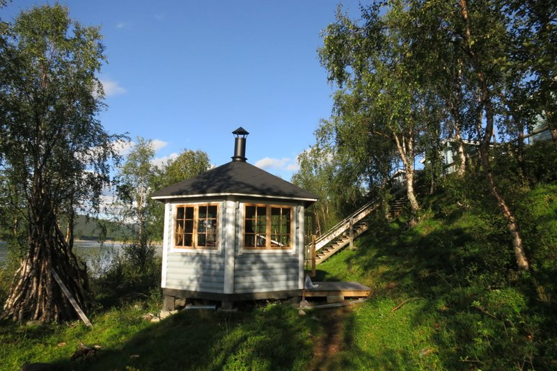 aurora-holiday-finland-gazebo