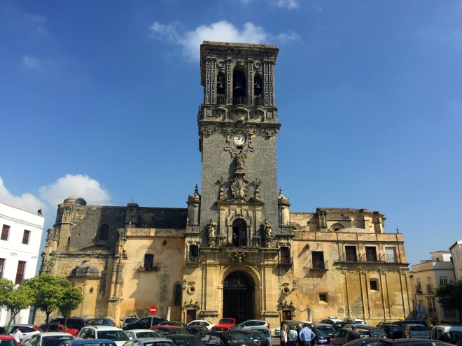 Arcos, somewhat clogged with traffic