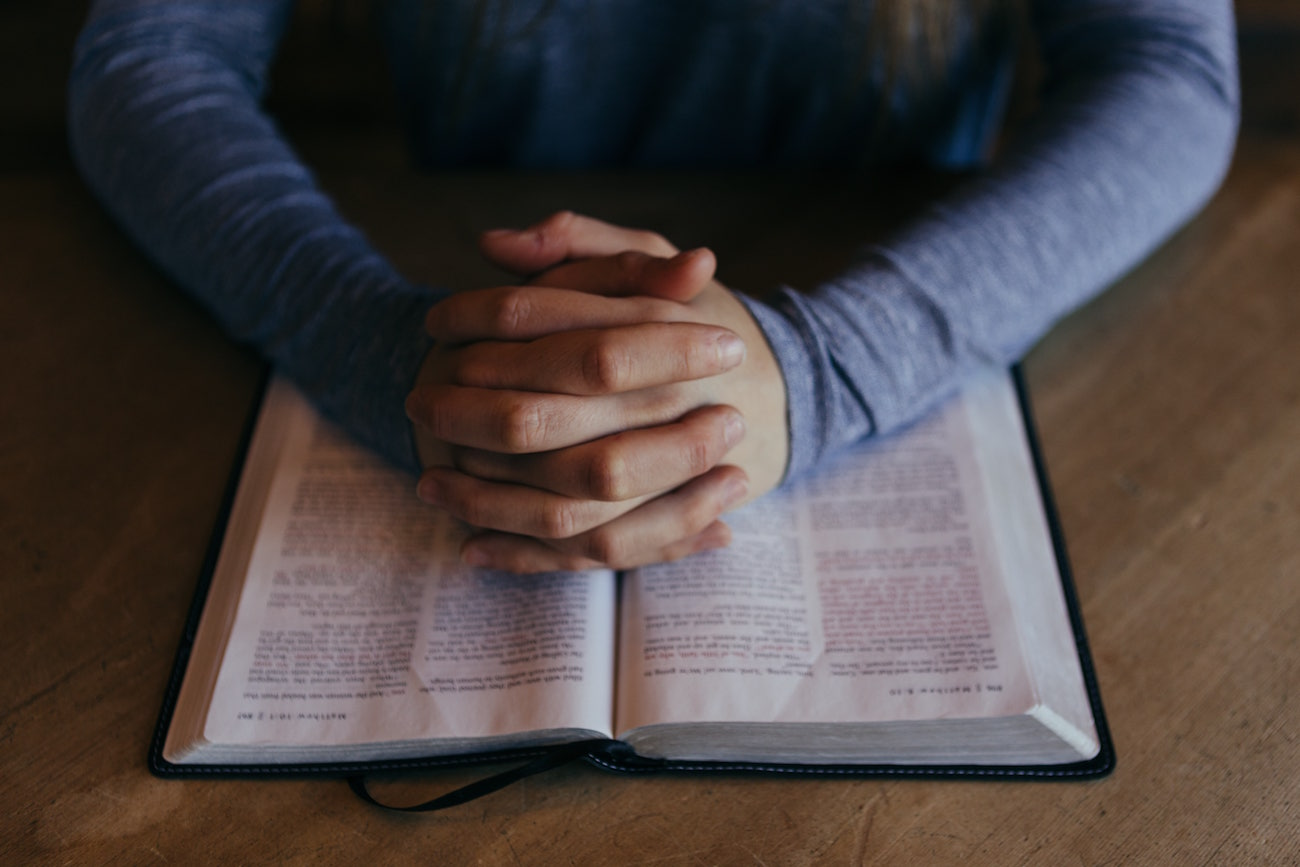 how to pray examine lord's prayer praying hands bible image