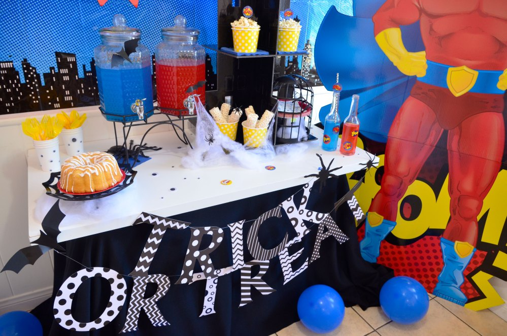 """Super Sweet"" Halloween Treat Station"