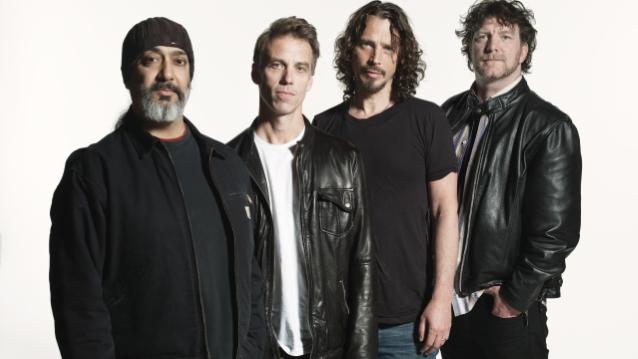 Chris Cornells änka och Soundgarden i stort royalty bråk.