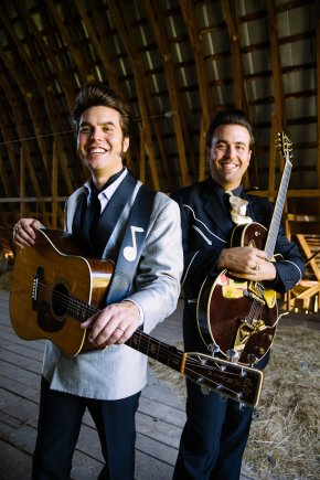 malpass-brothers-smiling-in-the-barn