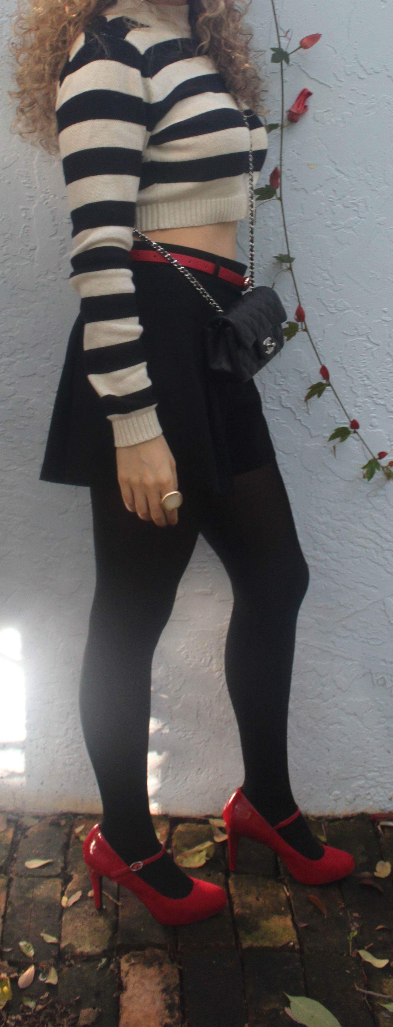 Cropped Sweater Shorts With Tights The Mamanista