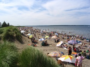 Flock of Quebecers begin migration to Parlee Beach