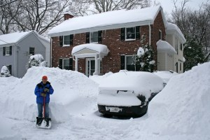 Listicle: Your worried dad's 8 tips and tricks for surviving a snowstorm