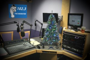 Manatee Radio to accept song requests by donation over the holidays