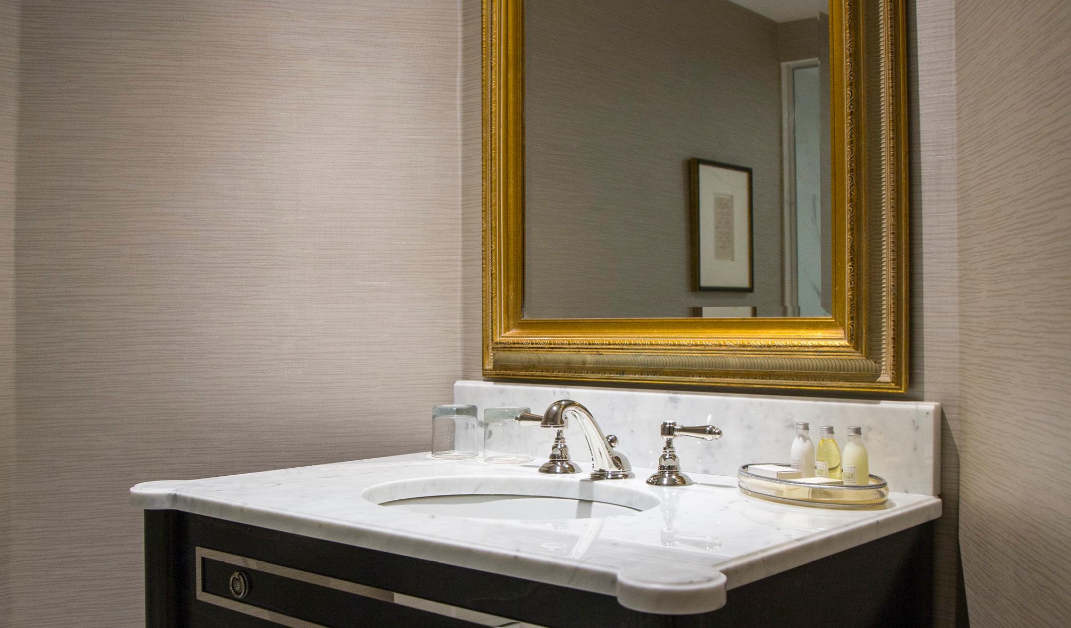1 Luxe King Bathroom c wp