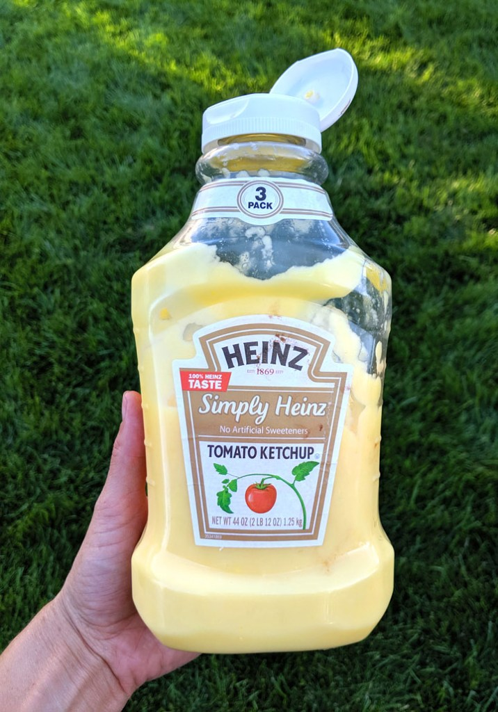 Campfire eclairs pudding hack. Refill a washed-out ketchup bottle and use it to dispense pudding. Brilliant.