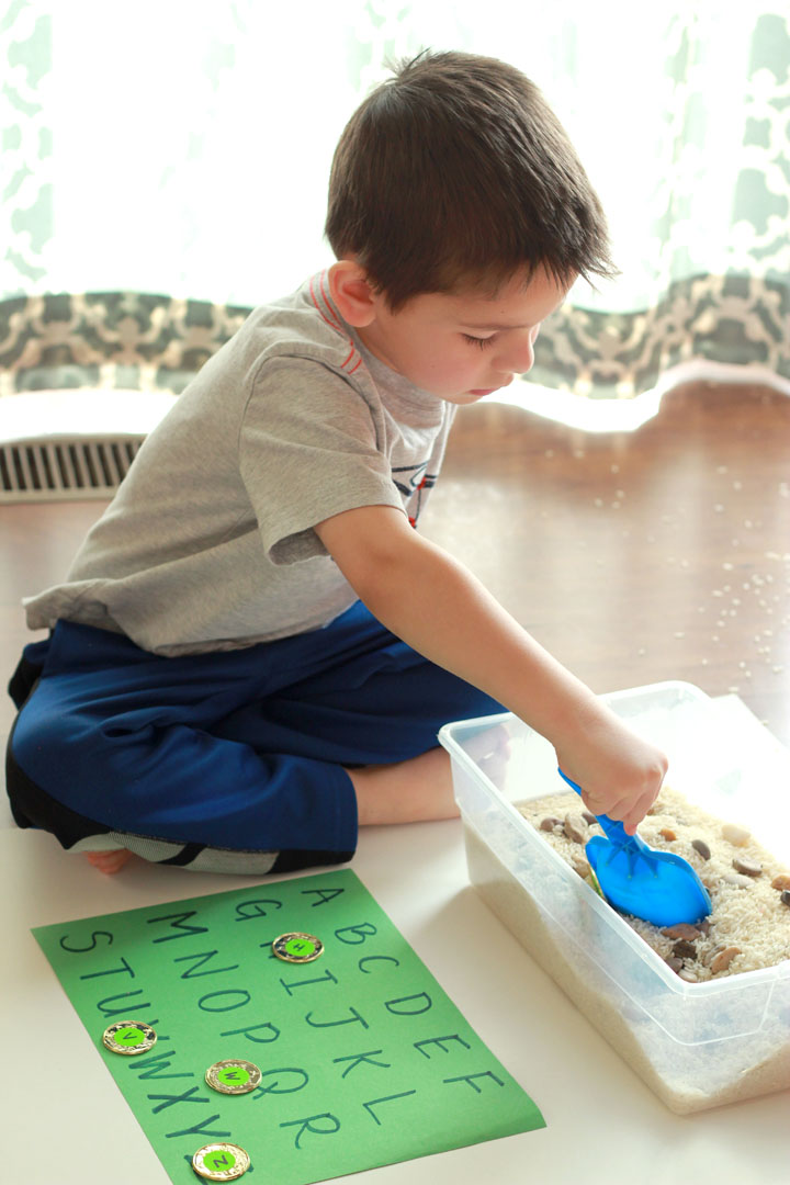 Help your preschooler learn the ABCs with this festive St. Patrick's Day alphabet sensory bin activity. Try your luck at finding and matching all 26 letters!