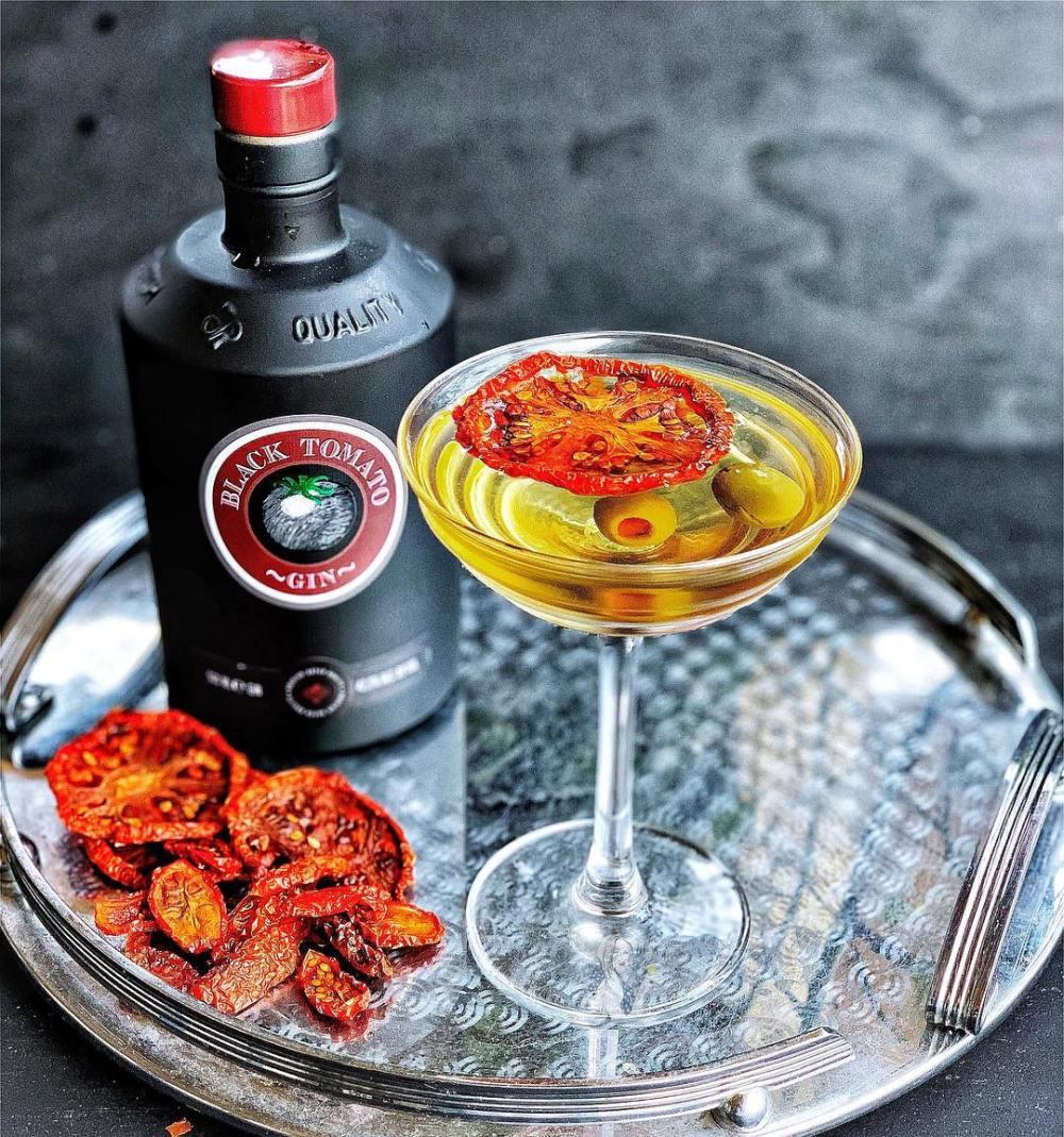 black tomato gin.jpg