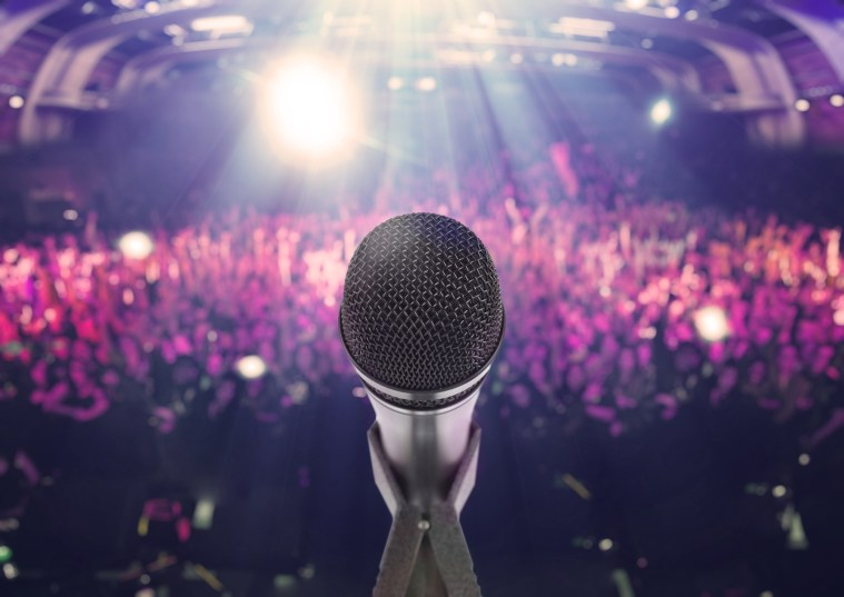 8 Ways Professional Keynote Speakers Can Deliver Massive Value for the Audience and Event Host