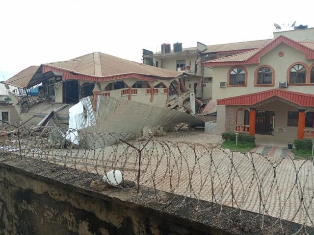 50 persons escape death as popular hotel collapses
