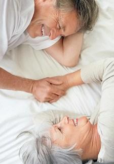 happy couple in bed © Wavebreakmedia Ltd | Dreamstime.com